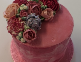 Swiss meringue buttercream course with individually piped flowers