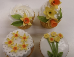 Zoom demonstration - daffodil cupcakes