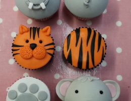 Zoom demonstration - More animal cupcakes (children)