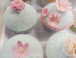 Very pretty flower dome cupcakes
