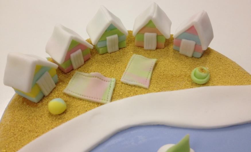 Professional Cake Decorating Course Uk : One Day Professional Cake Decorating - Summer theme - Cake ...