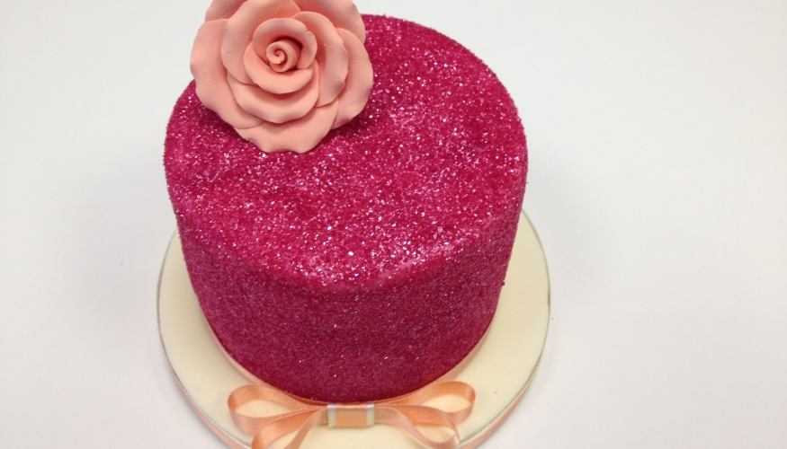 Delightful ideas with edible glitter